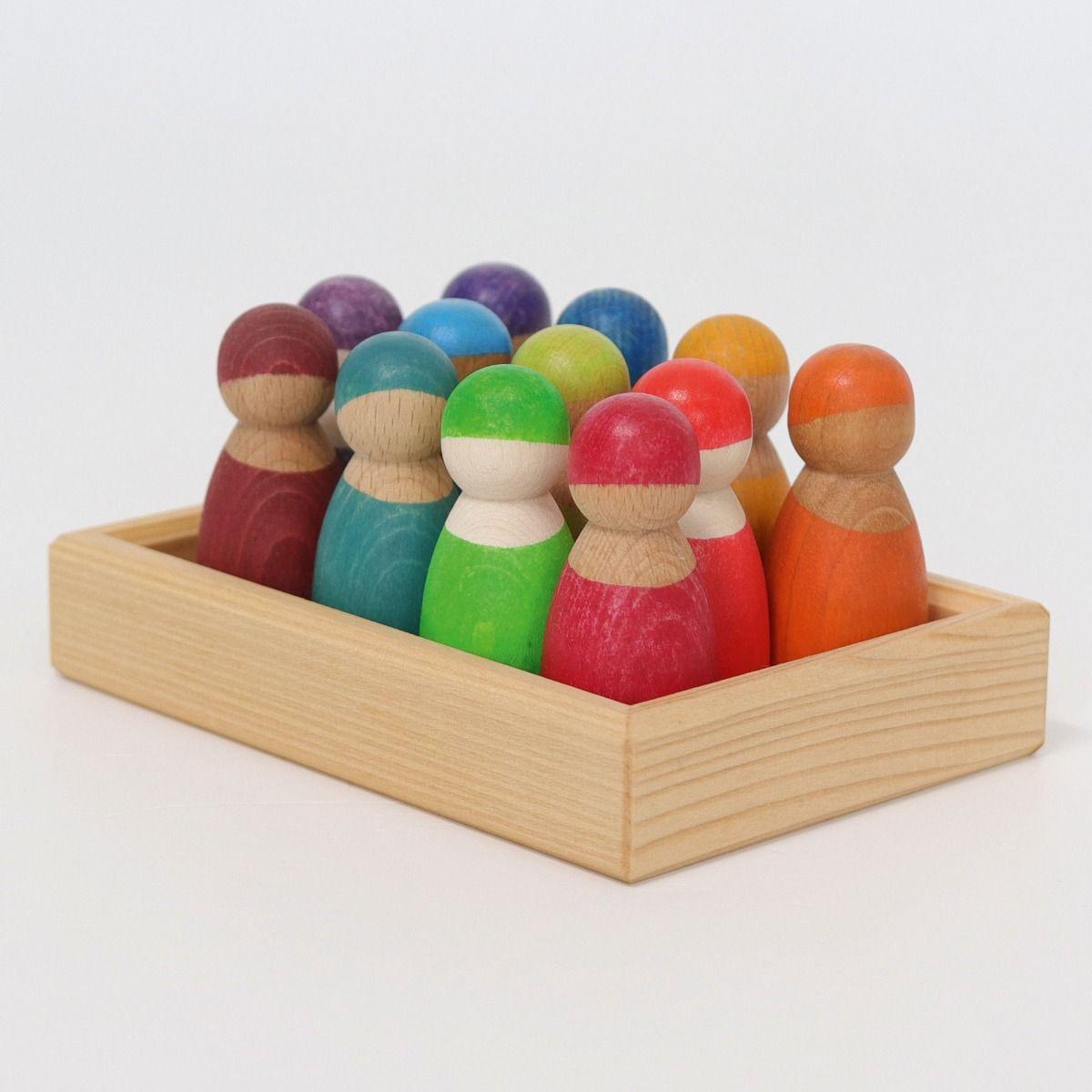 Grimms 12 houten Regenboogvriendjes in een bakje houten speelgoed